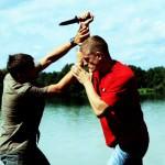 Wie verteidige ich mich gegen Messer?